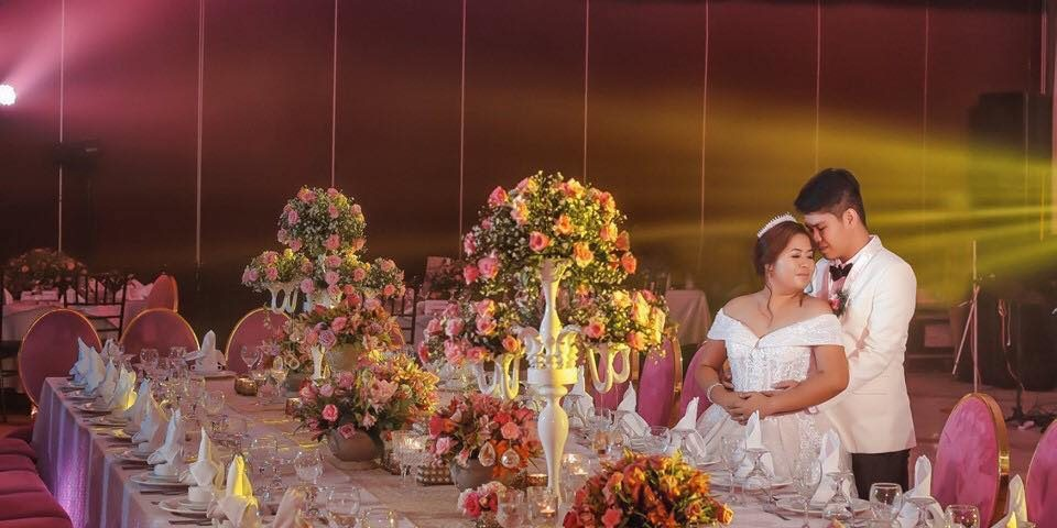 Sapphire Intimate Wedding Package  Php 69,000.00  •Venue Rental (The Barn, AvenY...