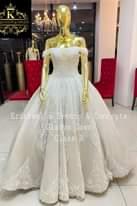 """Bild könnte enthalten: eine oder mehrere Personen, Text """"K α Krishae Events & Concepts Gladys-Gown Gown ClassA A Class"""""""